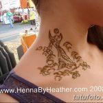 Фото Мехенди на шее от 02.08.2018 №022 - Mehendi on the neck - tatufoto.com