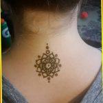 Фото Мехенди на шее от 02.08.2018 №071 - Mehendi on the neck - tatufoto.com
