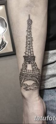 Фото тату Эйфелева башня 22.08.2018 №043 – tattoo The Eiffel Tower – tatufoto.com
