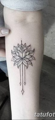 Фото тату лотос для девушки от 07.08.2018 №183 – lotus tattoo for girl – tatufoto.com