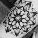 Фото черно-белые тату от 08.08.2018 №267 - black and white tattoos - tatufoto.com