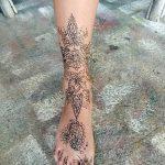 Фото Мехенди на голени от 17.09.2018 №143 - Mehendi on the lower leg - tatufoto.com