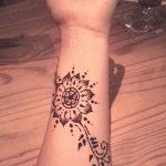 Фото Мехенди на запястье от 12.09.2018 №012 - Mehendi on the wrist - tatufoto.com