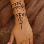 Фото Мехенди на запястье от 12.09.2018 №031 - Mehendi on the wrist - tatufoto.com