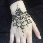 Фото Мехенди на запястье от 12.09.2018 №088 - Mehendi on the wrist - tatufoto.com