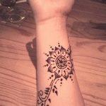 Фото Мехенди на запястье от 12.09.2018 №103 - Mehendi on the wrist - tatufoto.com