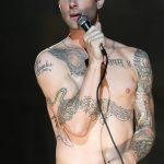 Фото Тату Адама Левина от 21.09.2018 №013 - Adam Levine tattoo - tatufoto.com