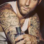 Фото Тату Адама Левина от 21.09.2018 №084 - Adam Levine tattoo - tatufoto.com
