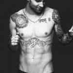 Фото Тату Адама Левина от 21.09.2018 №090 - Adam Levine tattoo - tatufoto.com