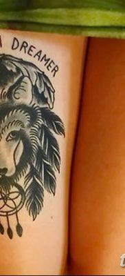 Фото тату волк и перо от 21.09.2018 №029 – tattoo wolf and feather – tatufoto.com