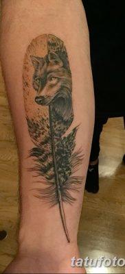 Фото тату волк и перо от 21.09.2018 №039 – tattoo wolf and feather – tatufoto.com