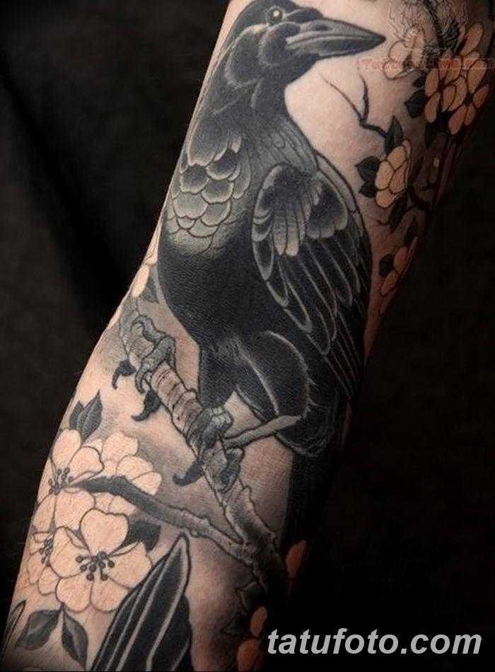 Фото тату ворон от 15.09.2018 №044 - raven tattoos - tatufoto.com