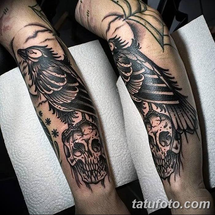 Фото тату ворон от 15.09.2018 №068 - raven tattoos - tatufoto.com