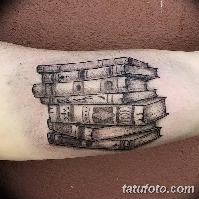 Фото рисунок тату книга 11.10.2018 №025 - tattoo picture book - tatufoto.com