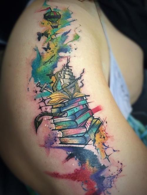 книга и корабль тату 1