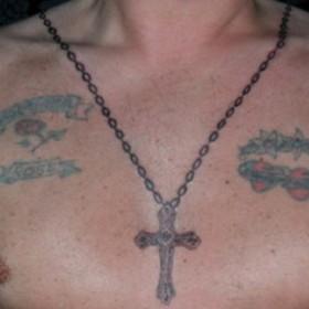 тату православный крест на груди 2