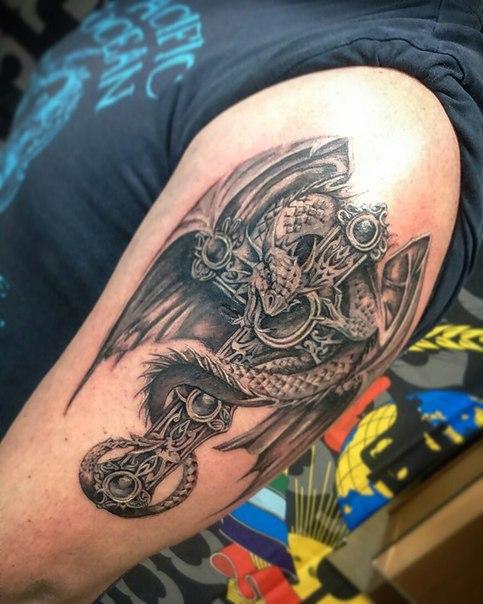 тату православный крест на плече мужские 4