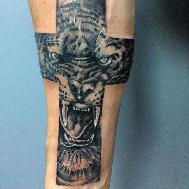 тату православный крест на руке мужские 5