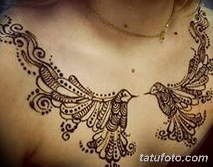 фото рисунка Мехенди на женской груди 30.11.2018 №049 - Mehendi breast - tatufoto.com