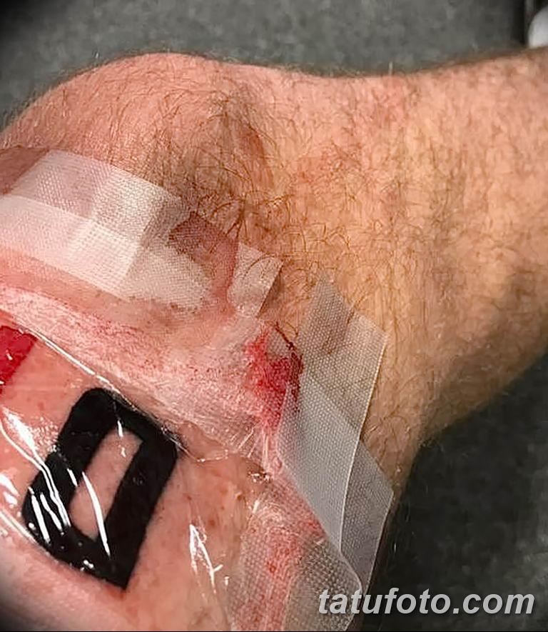 Фанат Ливерпуля сдержал обещание Дивок Ориги забивший решающий гол в тату на ноге - фото 2