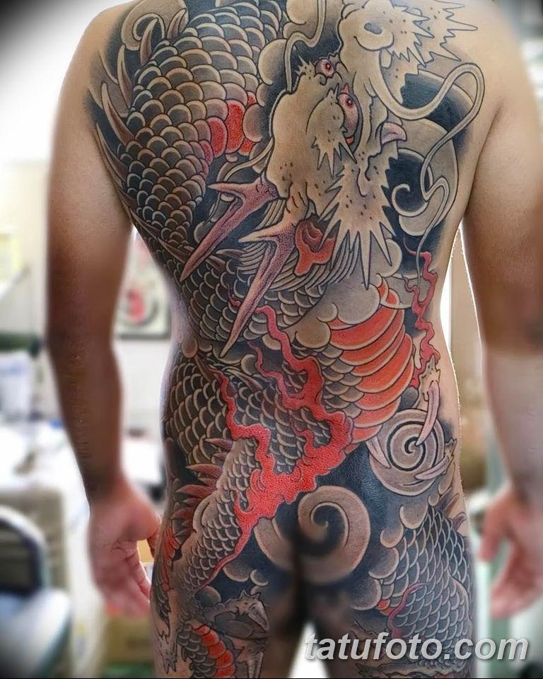девушка фото татуировок якудза простых движениях