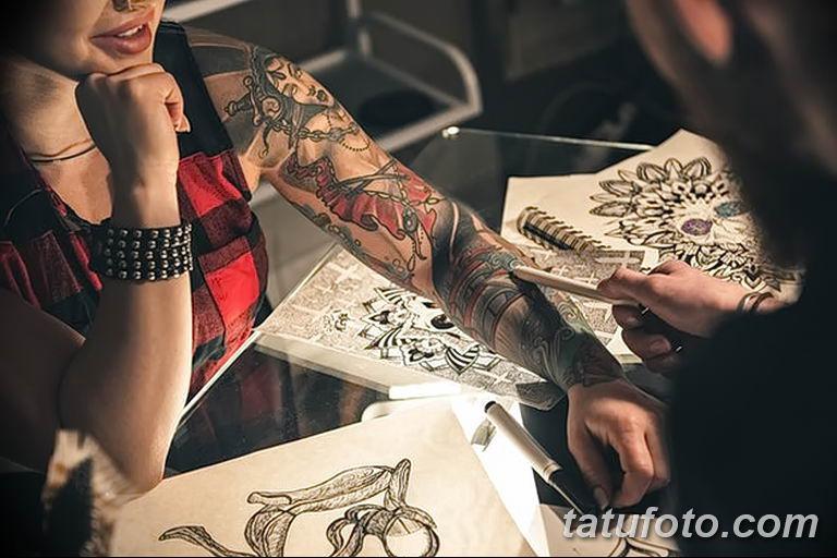 Черные и серые татуировки - фото
