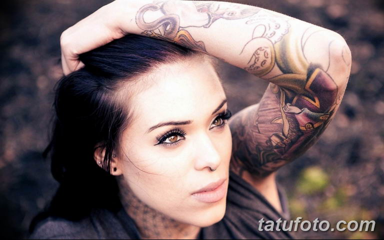 фото милой девушки с татуировкой 12.03.2019 №081 - girl with a tattoo - tatufoto.com