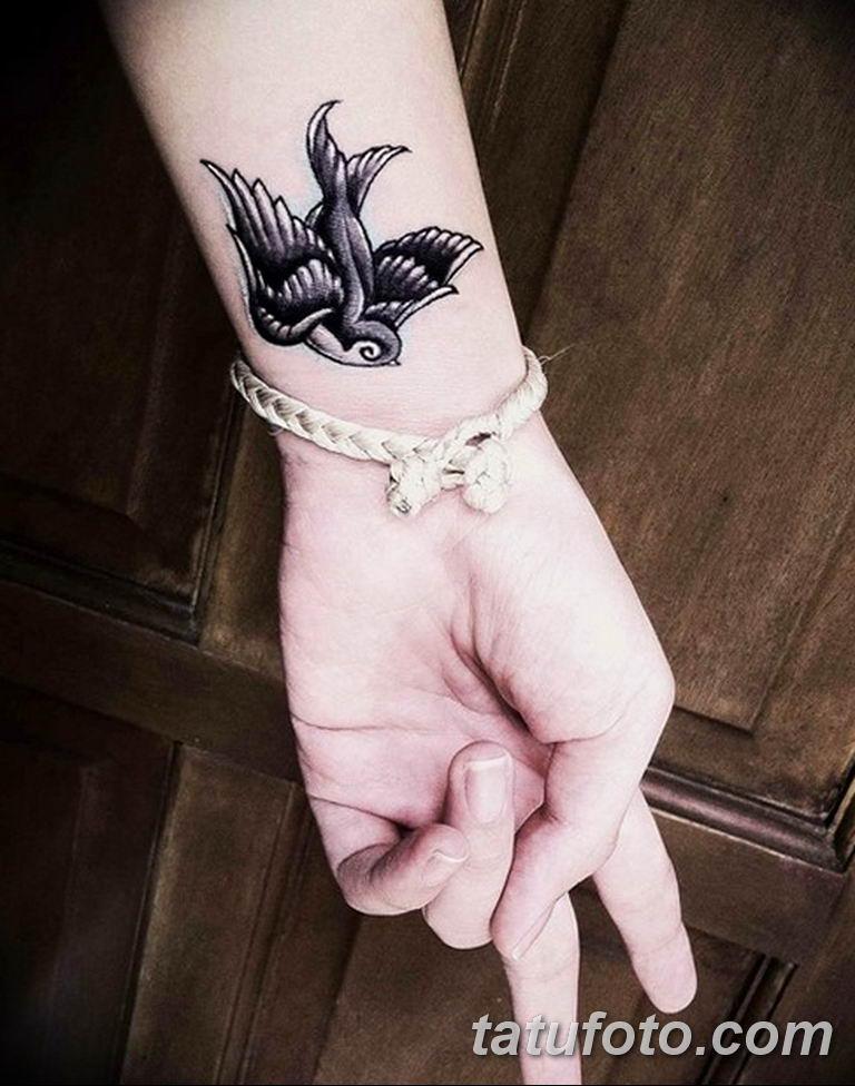фото милой девушки с татуировкой 12.03.2019 №093 - girl with a tattoo - tatufoto.com