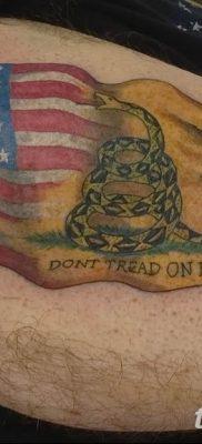 фото тату флаг 03.03.2019 №070 — идея для рисунка тату с флагом — tatufoto.com