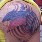 фото тату флаг 03.03.2019 №295 - идея для рисунка тату с флагом - tatufoto.com