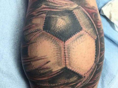 фото футбольный мяч 29.03.2019 №006 - tattoo soccer ball - tatufoto.com