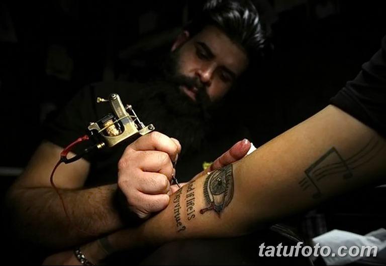 Иракские военнослужащие наносят татуировки чтобы скрыть шрамы полученные на войне - фото 6