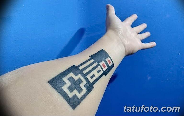 Татуировка с использованием VR технологии позволяет парню играть в Соник - супер ежик - фото 3