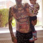 Фото Отец двух детей потратил 28000 на 250 тату 25.06.2019 №013 - tattoo - tatufoto.com