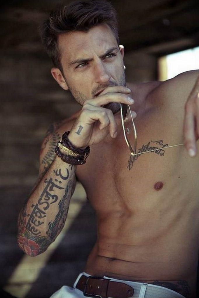 примере фото мужчин с аксессуарами тату исключено, что именно