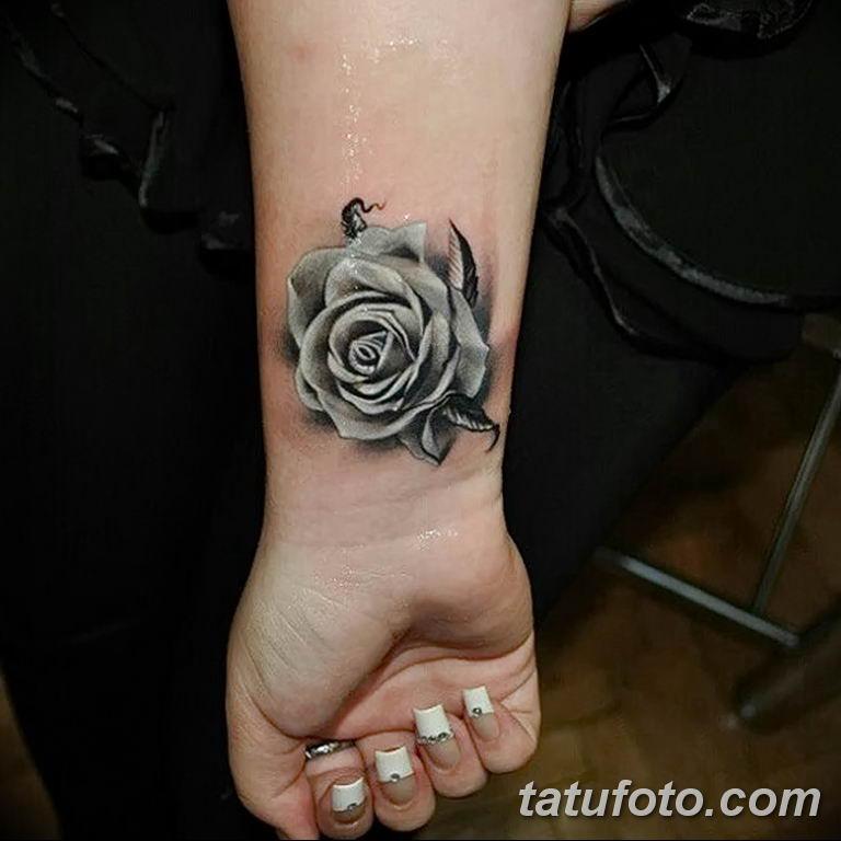 Значение тату белых цветов