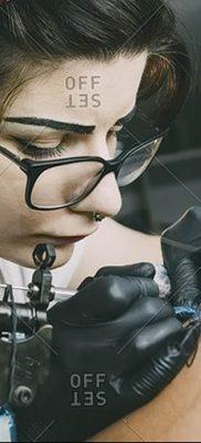Фото тату мастер девушка 18.06.2019 №038 – tattoo master woman – tatufoto.com