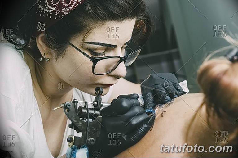 Фото тату мастер девушка 18.06.2019 №038 - tattoo master woman - tatufoto.com