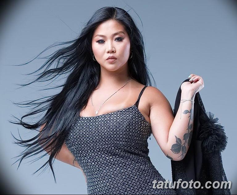 Фото тату мастер девушка 18.06.2019 №040 - tattoo master woman - tatufoto.com