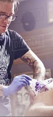 Фото тату мастер мужчина18.06.2019 №035 – tattoo master man – tatufoto.com