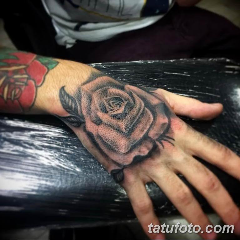 Фото тату роза с шипами 26.06.2019 №040 - spiked rose tattoo - tatufoto.com