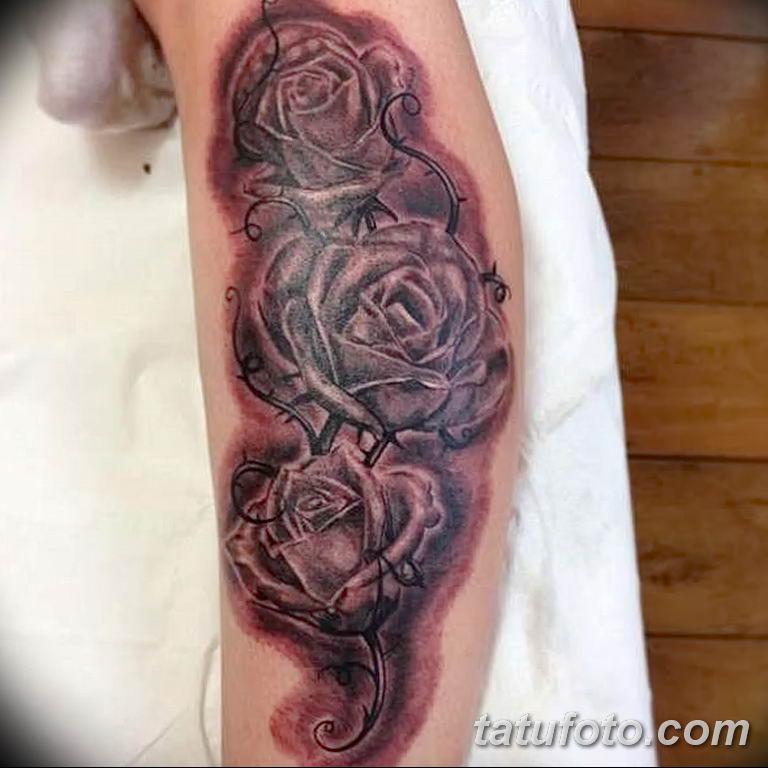 Фото тату роза с шипами 26.06.2019 №075 - spiked rose tattoo - tatufoto.com