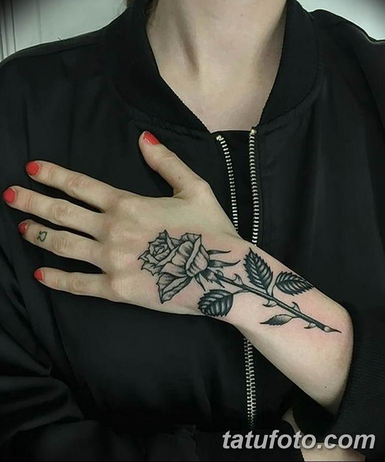 Фото тату роза с шипами 26.06.2019 №091 - spiked rose tattoo - tatufoto.com