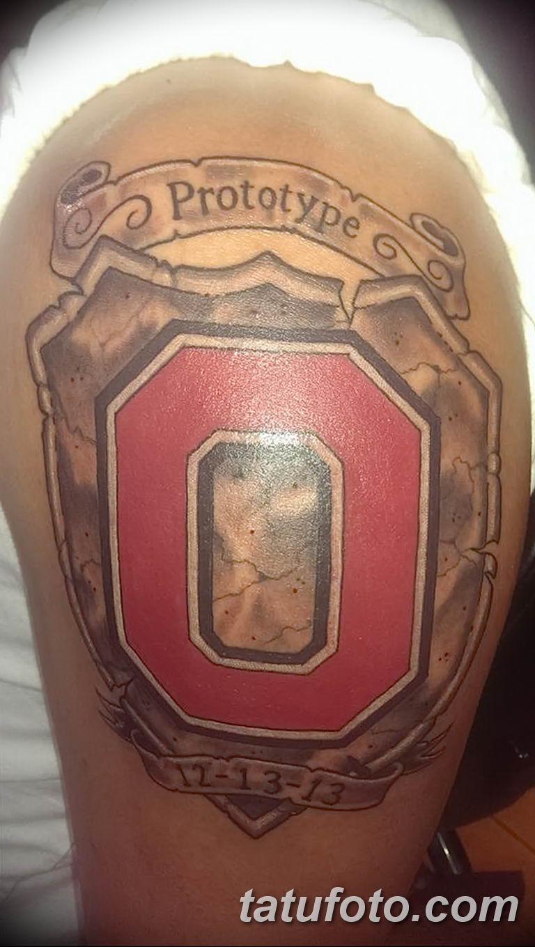 Игрок в американский футбол из Кентукки сделал татуировку с диким котом - фото 3