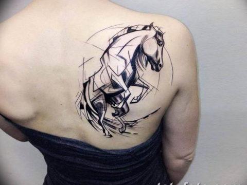 Фото тату лошадь на плече 24.07.2019 №014 - horse tattoo on shoulder - tatufoto.com