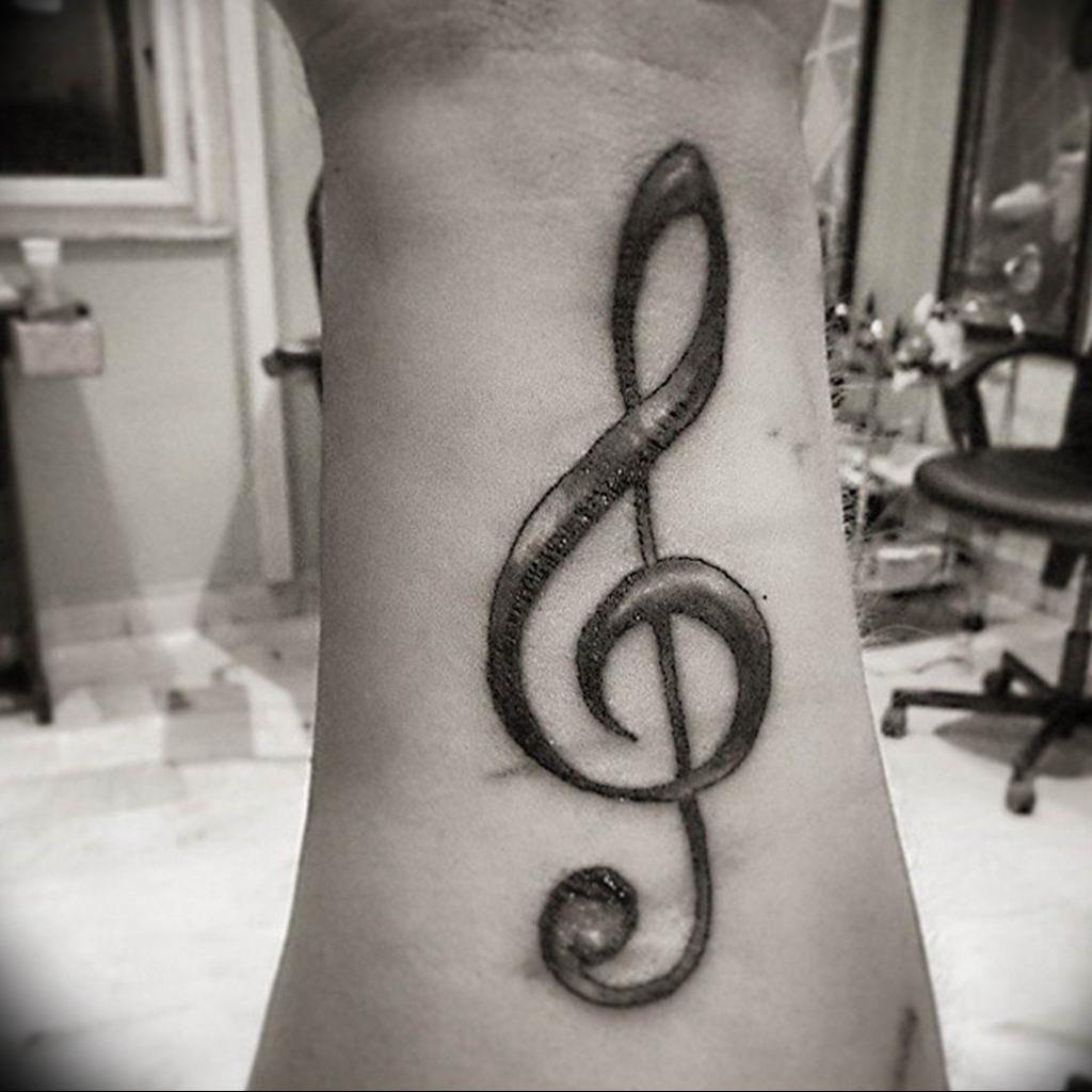 Фото музыкальный ключ тату 21.08.2019 №013 - musical key tattoo - tatufoto.com