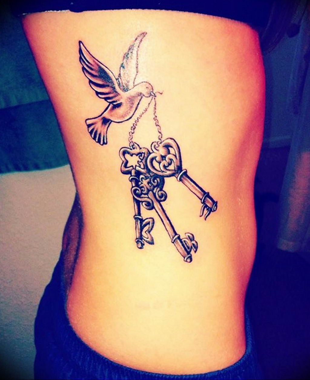 Фото тату для девушек ключ 21.08.2019 №010 - tattoo for girls key - tatufoto.com