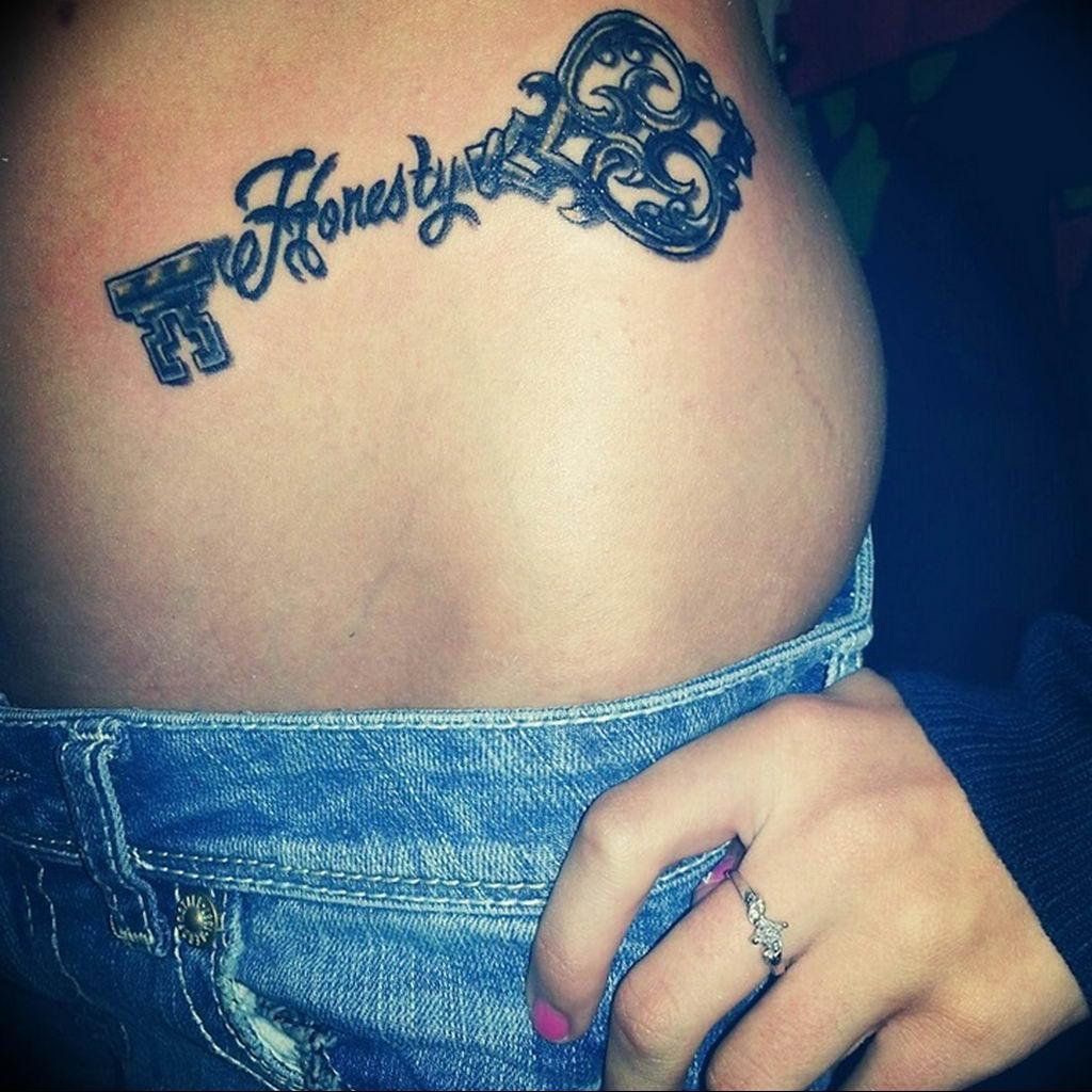 Фото тату для девушек ключ 21.08.2019 №014 - tattoo for girls key - tatufoto.com