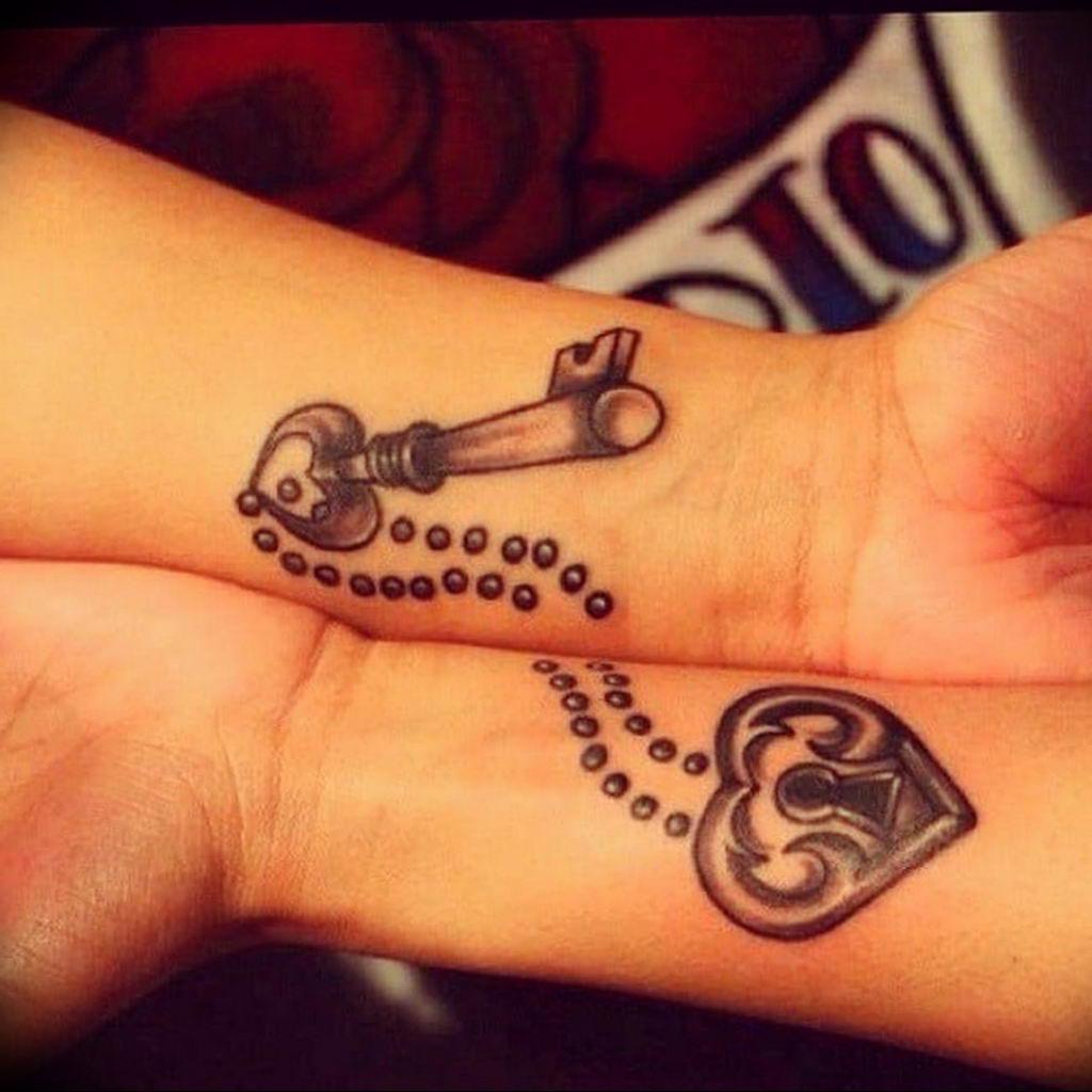 Фото тату для девушек ключ 21.08.2019 №026 - tattoo for girls key - tatufoto.com
