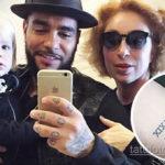 Мать Тимати сделала татуировку на руке в честь своих внуков - фото 1